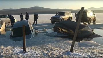 Sprawdzali grubość lodu - utopili kilkadziesiąt samochodów