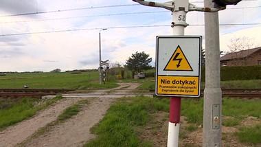 Rolnicy mają odpowiadać za przejazd kolejowy albo… nie dojadą do pól